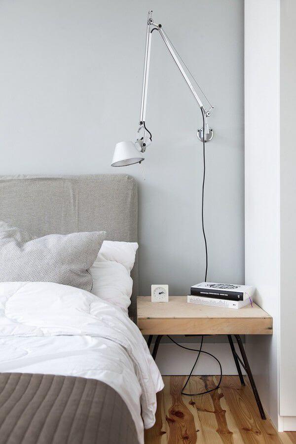 Thiết kế nội thất nhà chung cư với đèn ngủ kiểu dáng đơn giản, độc đáo.