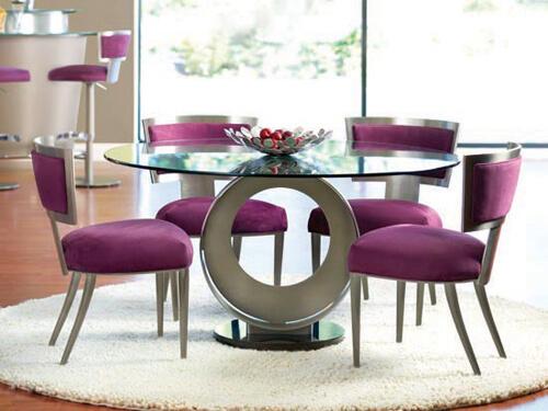 Theo phong cách truyền thống, hợp phong thủy nhà bếp, người ta thường sử dụng bàn hình tròn, biểu thị sự sum họp.