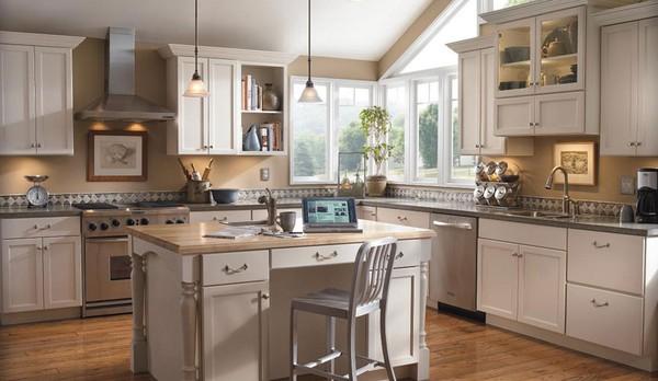 """Khu vực bồn rửa nên cách xa khu vực nấu một chút giúp tránh """"hỏa kỵ thủy"""", theo phong thủy nhà bếp."""