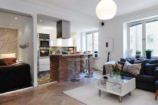 Nếu bạn đặt bếp không ngay ngắn rất dễ ảnh hưởng sức khỏe cho các thành viên trong gia đình. Bếp tránh bị nhìn trực diện từ bên ngoài cổng, từ cửa phòng khách hoặc đối diện nhà vệ sinh. Theo phong thủy nhà bếp.