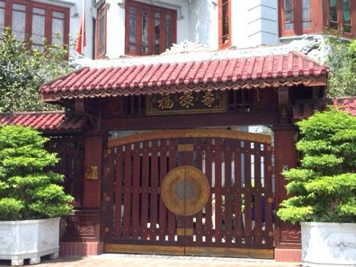 Hướng cổng và kiểu dáng trong phong thủy xây sửa nhà.