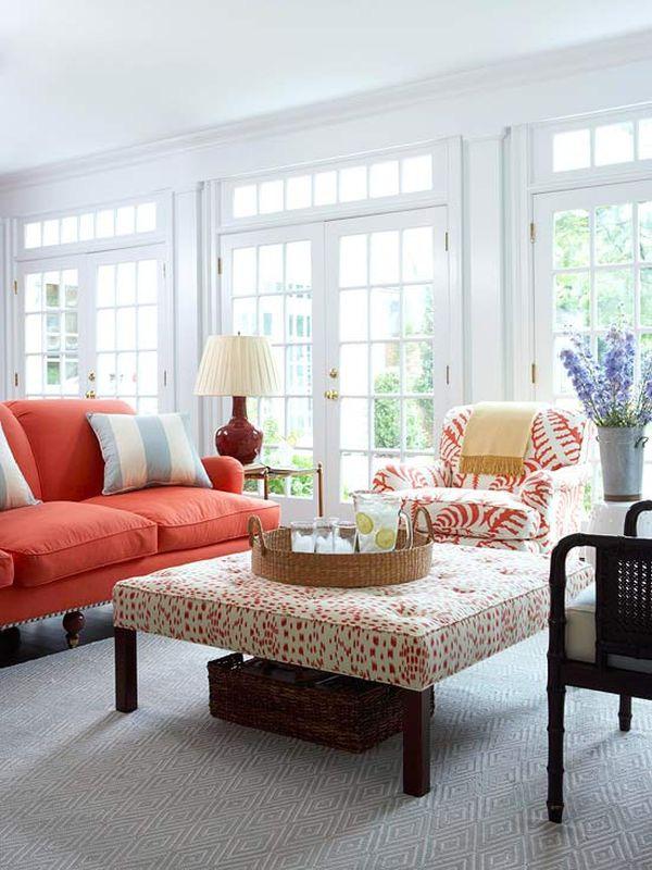 Sơn nhà và chọn những tone màu sáng để giúp ánh sáng vào nhà dễ dàng hơn, giúp không gian nhà bạn trở nên thoáng đãng hơn.