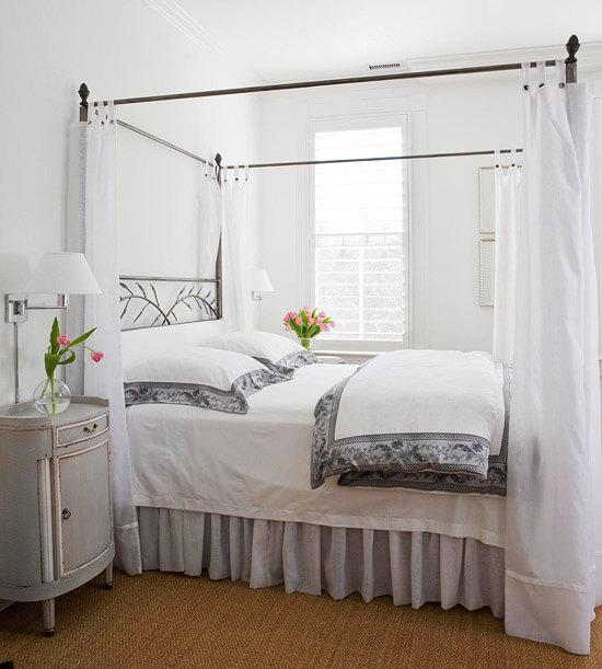 Mẫu phòng ngủ sơn trắng tinh khôi, tạo cảm giác rộng rãi.