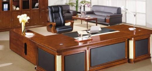 Bàn làm việc theo phong thủy, nên đặt bàn làm việc ở nơi nhìn rõ các lối đi.