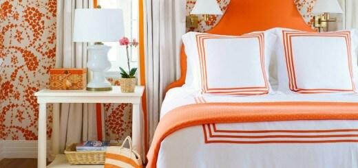 Sắc cam đậm kết hợp với trắng ở khắp nơi trong phòng ngủ, màu sắc sơn phòng ngủ, kết hợp ga giường, chăn gối và các phụ kiện khác đã tạo nên một không gian cực kì vui nhộn.