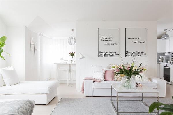 Những từ ngữ êm dịu, thanh lịch hẳn là để nói đến việc thiết kế nội thất nhà chung cư với cách trang trí phòng khách tuyệt đẹp này.