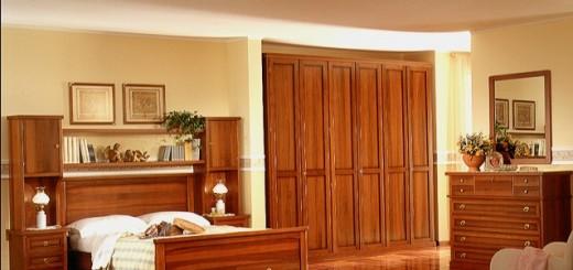 Phòng ngủ nhà chung cư sử dụng vật liệu bằng gỗ cho nội thất, chiếc tủ quần áo cầu kỳ hay bàn trang điểm tinh tế, tất cả tạo nên một phòng ngủ theo cách riêng của bạn.