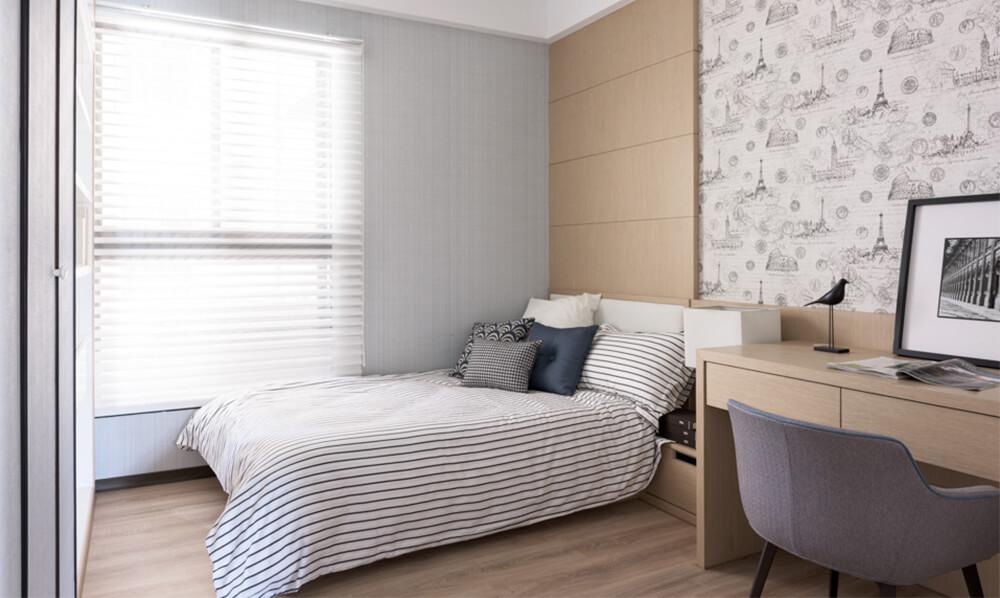 Phòng ngủ con lớn trong mẫu thiết kế nhà 2 tầng với tone màu nhã nhặn lịch sự, sang trọng.