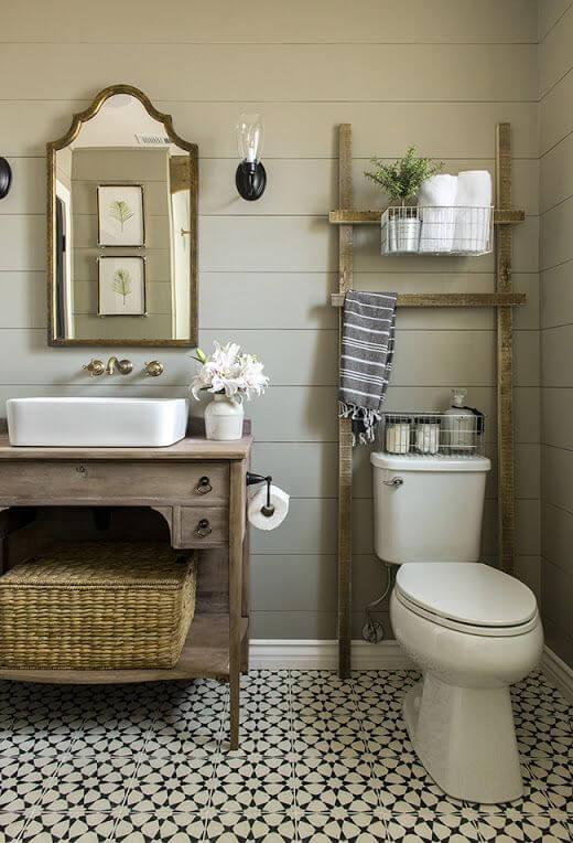 Phòng vệ sinh với thiết kế giản dị, trong mẫu thiết kế nhà ống 1 tầng này.