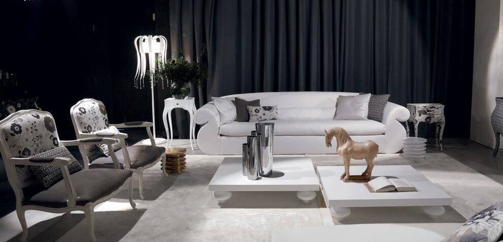 Một chiếc rèm màu đen tone nhạt tạo cảm giác huyền bí cho phòng khách, tận dụng hiệu ứng tăng chiều cao của những chiếc rèm cao kéo từ trần nhà xuống dưới sàn giúp phòng khách tăng thêm cảm giác rộng rãi.