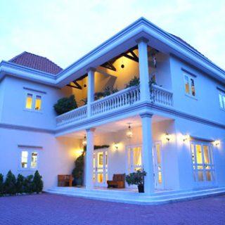 3 biệt thự có màu sơn nhà đẹp của mỹ nhân Việt đình đám 1 thời