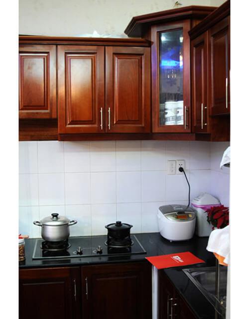 không gian bếp giản dị nhưng đầy đủ