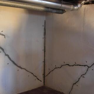 Hình ảnh thi công sửa chữa nhà bị nứt tường