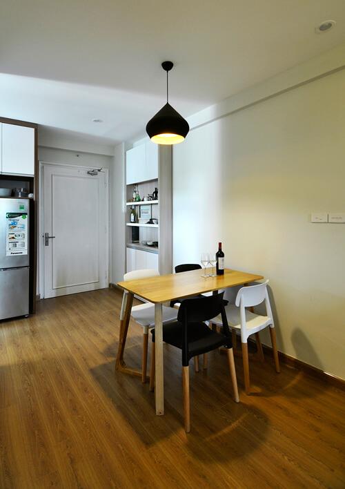 Lắp đặt bàn ăn nhỏ xinh trong chung cư chỉ 58 M2 giúp phòng ăn rộng rãi hơn