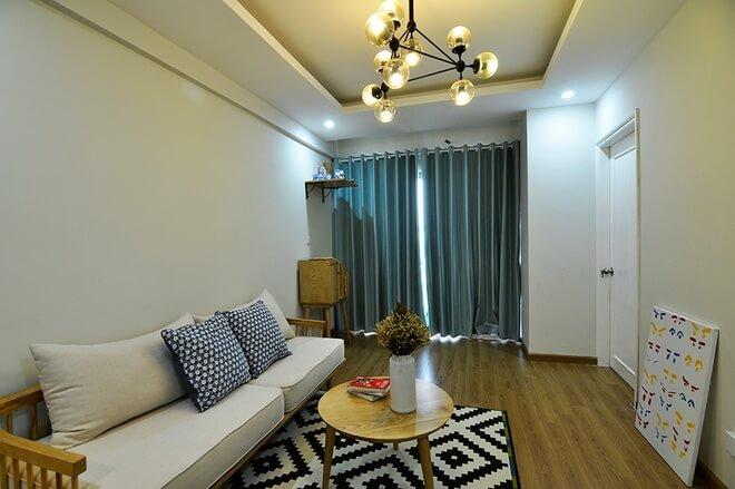 Màu sơn đẹp giúp không gian chung cư cảm giác rộng rãi hơn với cửa sổ lấy sáng lớn